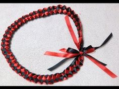 How to make a Ribbon Lei - best video tutorial I've seen! Short sweet and to the point!