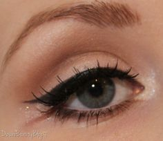 I wish I could do my makeup like this.
