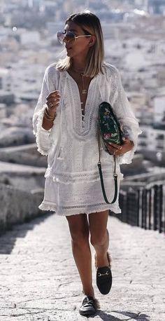 Summer Outfit Idea Bag Plus White Dress Plus Loafers - Outfits Boho Summer Outfits, Summer Dresses For Women, Boho Outfits, Trendy Outfits, Fashion Outfits, Dress Loafers, Loafers Outfit Summer, Boho Fashion, Beach Fashion