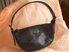 AUTH VIA SPRIGA LEATHER BAG SALE 45.00 SHALL02@HOTMAIL.COM