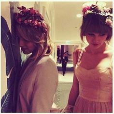 Dianna Agron AND Taylor Swift? Best friendship ever. Seeerious girl crushes together  = my favourite picture