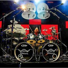 Mike Terrana - this guy has many drum kits