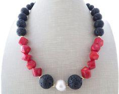 Collar de coral rojo, collar de lava negra, grueso collar, collar negrita grande, collar, joyería de la roca de lava, piedras preciosas joyas de Reino Unido