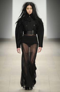 John Rocha AW12 #womensfashion #fashion #johnrocha #AW12 #catwalk #london #black