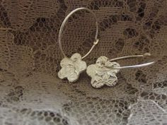 Gorgeous silver flower earrings are a perfect little Easter gift or just because it's Springtime and you fancy treating yourself!