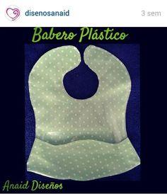 Babero en tela plástica