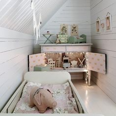 5 Favorites: Creative DIY Dollhouses: Remodelista - so apparently I never grew up because I want all of these!