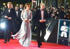 """Eine Ansammlung guter Gene gestern bei der """"Spectre""""-Premiere: Prinz Harry, Herzogin Kate und Prinz William (v.l.) bezauberten die Zuschauer."""