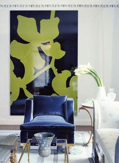 Love this space as featured in Architectural Digest. The big glossy work of art is just perfect but I also like the added touch of the slim stenciled border.