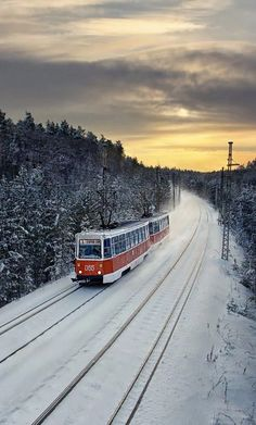 Sibéria, Russia - Travel by train www.VodkaTrain.eu. The Trans-Siberian Railway is the world's longest railway, covering almost 1/3 of the distance around Earth. It took decades to build, at a cost of billions of rubles and hundreds of thousands of human lives.