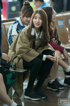 161010 Sowon Gfriend at Incheon Airport go to Europe . Gfriend Sowon, G Friend, Mystery Books, Incheon, Airport Style, K Idols, Rapper, Korea, Bomber Jacket