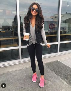 Black vest Gray t shirt Black leggings