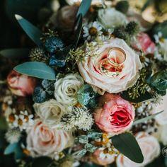 FOTO STUDIO HOCHZEITSFOTOGRAFIE BUSINESS Fotograf VILLACH Studio, Floral Wreath, Wreaths, Rose, Artist, Flowers, Plants, Photography, Wedding