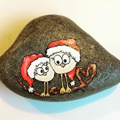 To små kærlige jule fugle... #jul #christmas #ro #rockpainting #rockdrawing #rockart #posca #poscapaint #poscaart #poscadrawing #art #artdrawing #artwork #stones #paintetstones #paintedrocks #stonepatining #sten #stenmaling #stenfrastranden #minesten #miesteen #maledesten