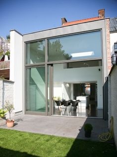 verbouwing burgerwoning | Radar Architecten Living Room Interior, Home Interior Design, Interior Architecture, Victorian Terrace, House Under Construction, Building A New Home, River House, Window Design, House Extensions