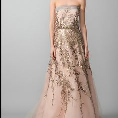 Gorgeous Carolina Herrera gown on @Gilt today