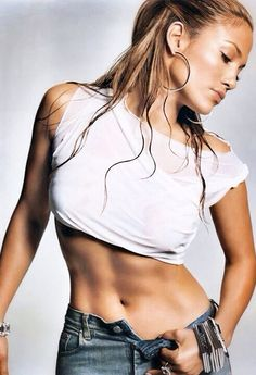 Look at Jennifer Lopez's abs. Just beautiful. Love this woman.