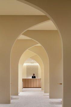 Architektur-modernes Design: Hotel Nikko Kumamoto Bridal Salon von Ryo Matsui Architects … – Braut Make Up Hall Hotel, Hotel Lobby, Kumamoto, Nikko, Commercial Design, Commercial Interiors, Design Hotel, House Design, Design Comercial