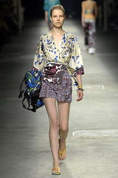 Dries Van Noten Spring 2008 Ready-to-Wear Fashion Show