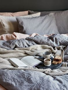 Navy and blush pink are the perfect pair in this relaxed Scandi bedroom idea from Gray & Willow. Layer the Halston linen cover with a cosy throw and you'll never want to leave. Scandi Bedroom, Vintage Bedroom Decor, Pink Bedroom Decor, Cosy Bedroom, Bedroom Ideas, Bedroom Inspo, Bedroom Inspiration, Blush Bedroom, Master Bedroom