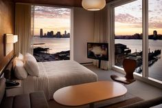 With stunning views of the New York skyline and the Hudson River, the design **** Standard New York is worth a visit.