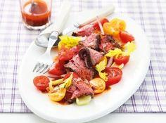 Salată cu friptură de vită și dressing de hrean - Good Food Romania