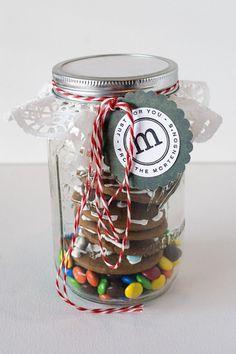 Cookies in a Jar, Mason Jar gift idea