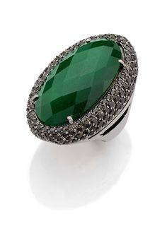 Cruzeiro do Sul, com jade nefrita verde e diamantes negros