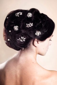 Save 10% on Beautiful Wedding Hair Accessories by Rosie Willett. Photography by georgiaclaire.4ormat.com for http://www.rosiewillettdesigns.co.uk/