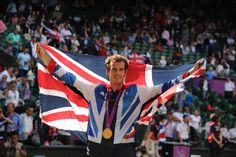 Andy Murray with his singles gold medal and the Union Jack - Tom Lovelock/AELTC