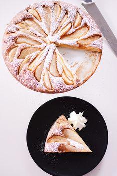 Een gemakkelijk perentaartje Sweets Cake, Cupcake Cakes, Cupcakes, Baking Recipes, Cake Recipes, Ice Cream Pies, Sweet Bakery, No Cook Desserts, Fabulous Foods