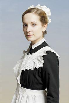 Anna Smith Bates, played by Joanne Froggatt Matthew Crawley, Film Serie, Favorite Tv Shows, Downton Abbey Characters, Downton Abbey Cast, Downton Abbey Fashion, Pbs Tv, House Maid, Classy Lady