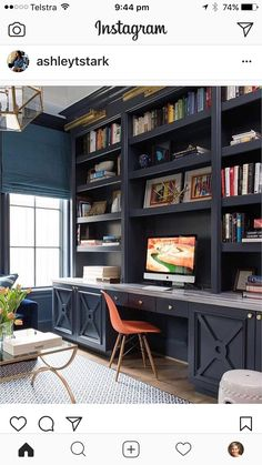 study nook for me! Really like the colour and details on the lower cupboards!