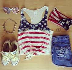 4th of July outfit! @lauren carroll, I saw this and thought of you!