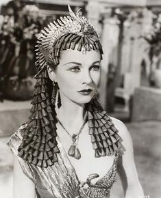 Headdress for Cleopatra in the film Caesar and Cleopatra (1945), designed by Oliver Messel. © Victoria and Albert Museum, London.