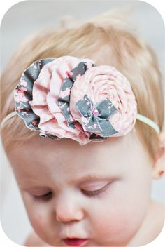 Discover thousands of images about headband, diy accessories for girls Vintage Headbands, Fabric Headbands, Toddler Headbands, Baby Girl Headbands, Baby Bows, Headband Tutorial, Diy Headband, Headband Hairstyles, Diy Hairstyles