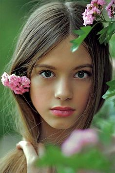 gorgeous girl pretty green eyes  sempre bellisima