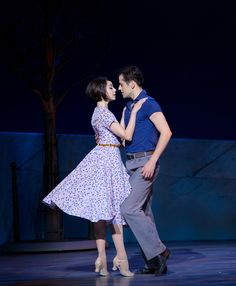 Leanne Cope as Lise Dassin y Robert Fairchild as Jerry Mulligan in AN AMERICAN IN PARIS. Opening night: 12 April 2015, Palace Theatre, Broadway