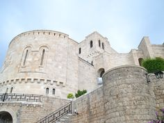 Kruja e la fortezza degli eroi albanesi - http://www.girosognando.it/2017/03/05/visitare-kruja-albania/