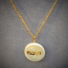 """Colgante perla con """"mama"""" en oro de ley y cadena de oro de ley para el Día de la Madre"""