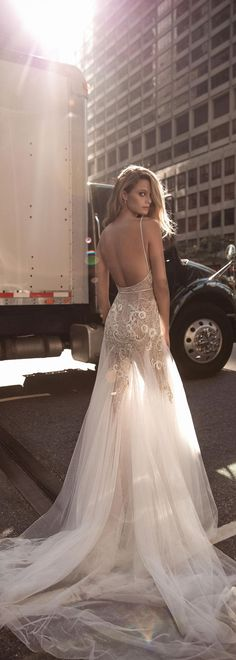30+ Peek A Boo Vintage Wedding Dress Ideas