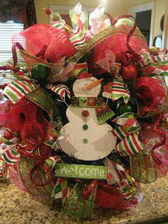 Kristen's Creations: Christmas Mesh Wreath Tutorial!  Change ribbon for any holiday.