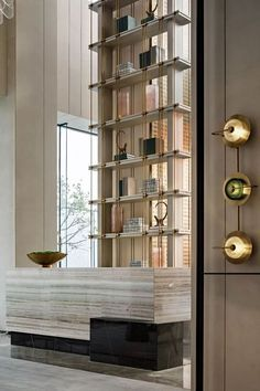 Modern home interiors and design ideas from the best in condos, penthouses and architecture. Plus the finest in home decor and products. Lobby Interior, Interior Design Living Room, Hotel Reception Desk, Reception Counter, Chinese Interior, Joinery Details, Lobby Design, Co Working, Hotel Interiors