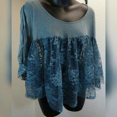Free People Sz XS lace & cotton top Free people Sz XS top.  Lace & cotton top.  EUC Free People Tops Blouses