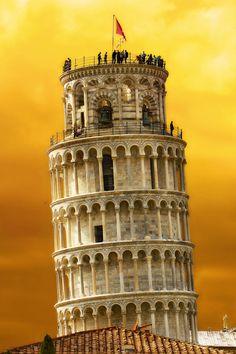 Tower of Pisa (by Dmitriy Vorobey)