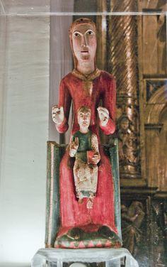 Virgen románica. Nuestra Señora de los Angeles, iglesia de San Esteban, Villanúa.