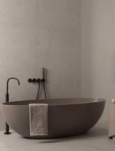 Bad Inspiration, Bathroom Inspiration, Beige Bathroom, Modern Bathroom, Minimalist Bathroom, Minimalist Home, Bathroom Styling, Bathroom Interior Design, Tadelakt