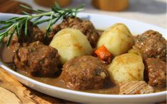 Ragoût Simple et Délicieux Stew, Bacon, Slow Cooker, Food And Drink, Menu, Cooking, Ethnic Recipes, Simple, Diners