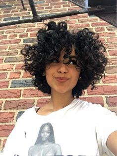 Effective styles for short curly hair - Kurzes lockiges haar - Hair Styles Curly Hair Styles, Curly Hair Cuts, Short Hair Cuts, Natural Hair Styles, Short Curls, Perm On Short Hair, Curly Bob, Short Natural Curly Hair, Updo Curly