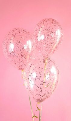 Take your party to a higher level with Rose Gold confetti balloons! Clear latex balloon filled with beautiful metallic rose gold confetti, Decoration Ballons Brilliantes, Glitter Ballons, Gold Confetti Balloons, Glitter Confetti, Pink Balloons, Balloon Balloon, Birthday Balloons, Pink Birthday, Glitter Backdrop
